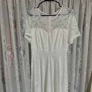 White lace short sleeve dress, never worn